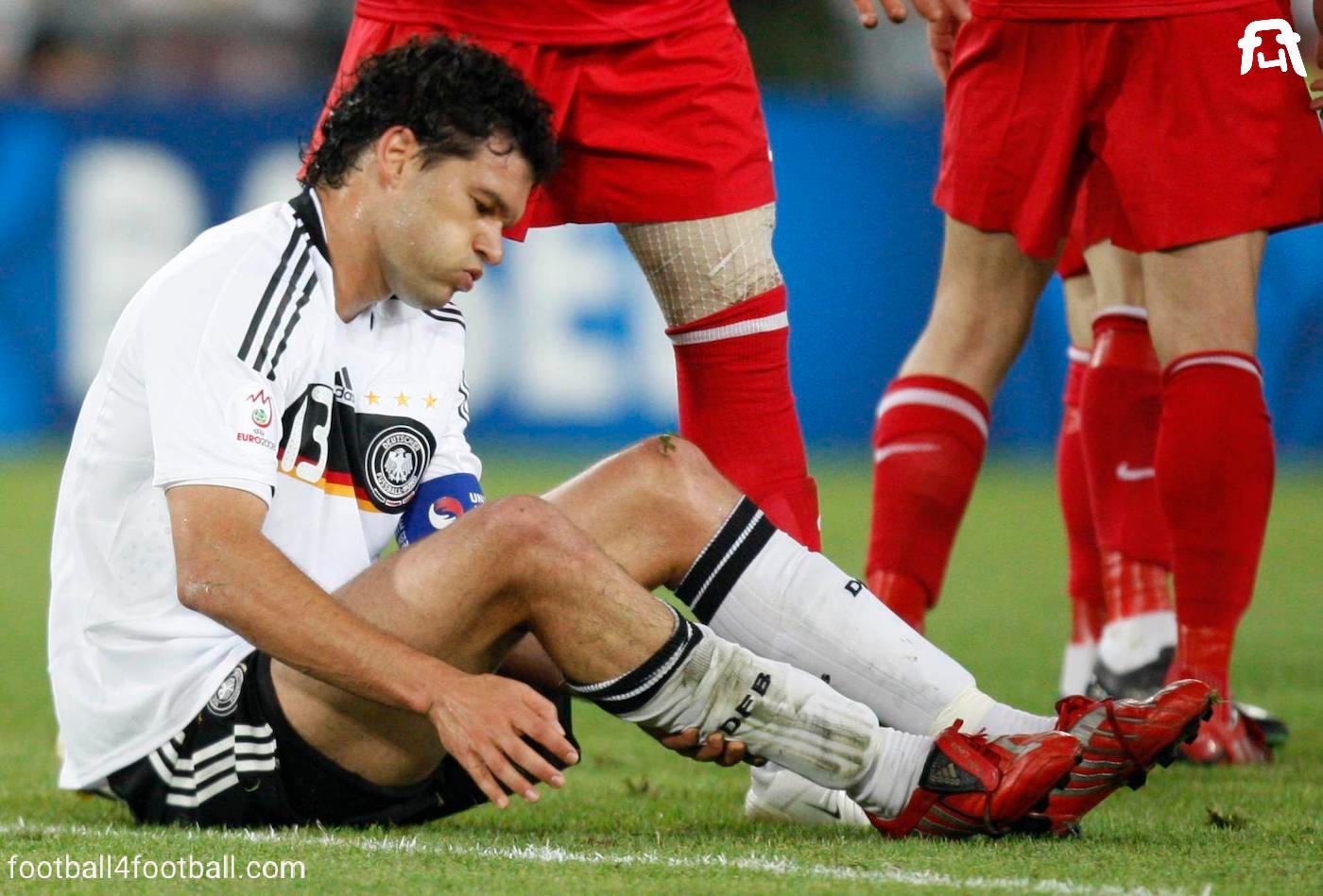 http://football4football.com/storage/img/articleimages/originals/sjRcbf7gouGIyBgFKRoc1SikpuLiJTVBqaM.jpg